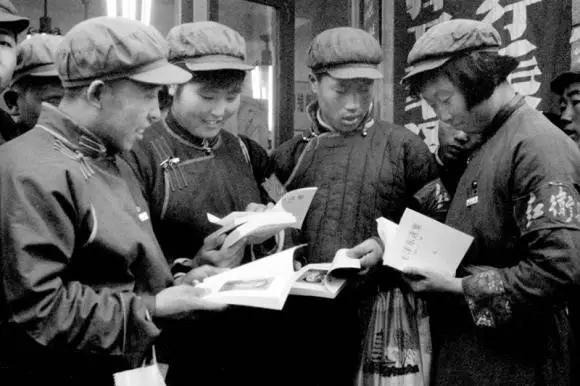 人民日报老记者拍摄的北京文革-激流网
