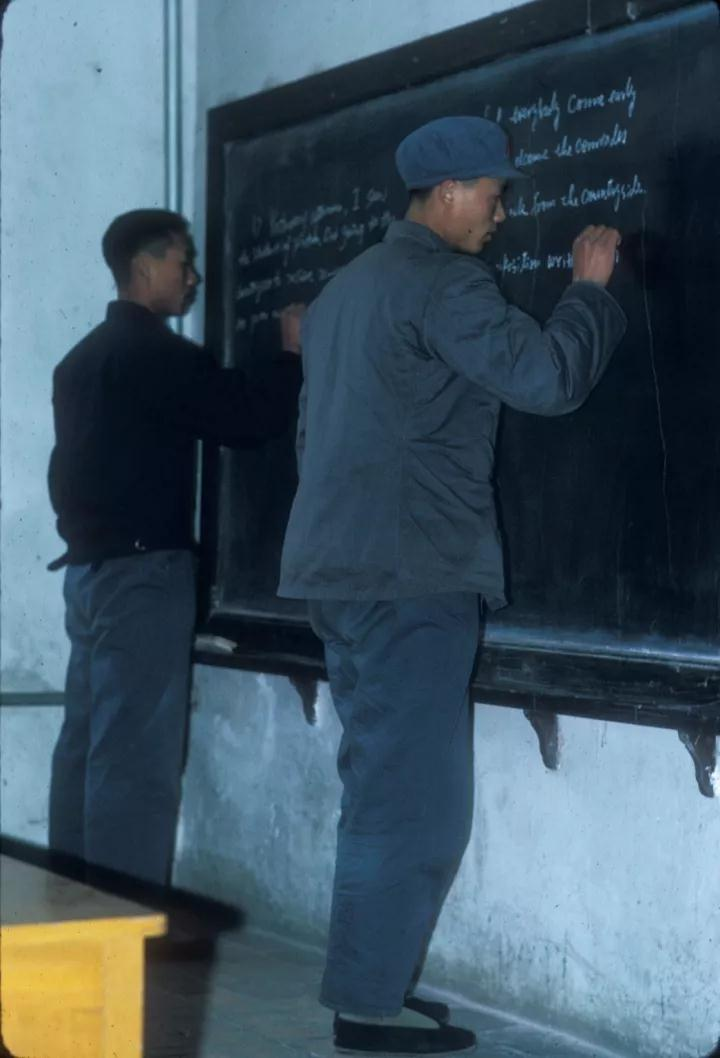 美国人拍的1972年北大学子 几乎都是工农兵大学生-激流网
