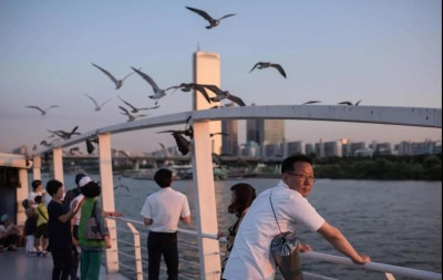韩国自杀困境:最失落的人,死在了最光明的桥上-激流网