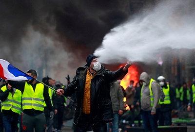 法国司机抗议燃油税,他们是失落的下层中产者-激流网